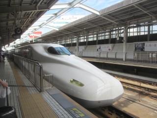 博多行の新幹線