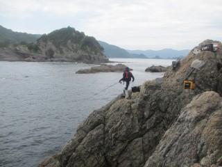鶴見大島との水道方向を眺める