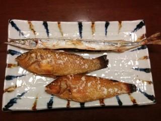 サヨリとササノハベラの塩焼き