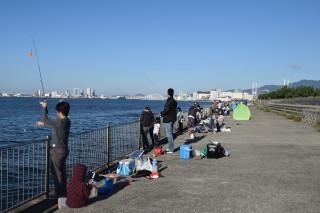 大盛況の南芦屋浜